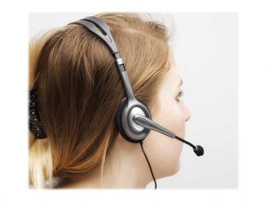Auricular Logitech Stereo H111 - en oreja