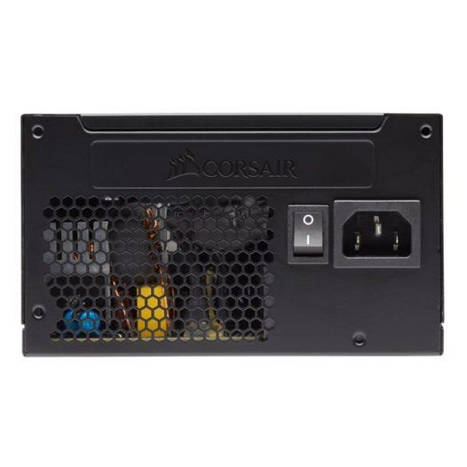 Fuente de Poder marca Corsair VS650 Watts Certificacion 80 Plus White