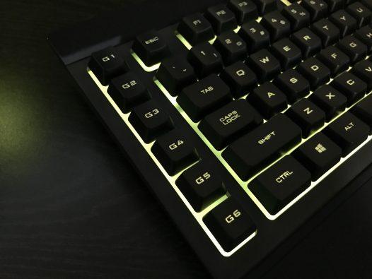 Teclado Corsair K55 Gamers RGB Gaming Español