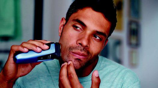Afeitadora Eléctrica para uso en seco y húmedo marca Phillips Aqua Touch S1070/04