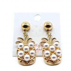 Aretes piñas doradas con perlas blancas