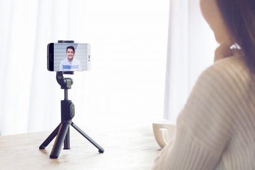Trípode y Selfie Stick Bluetooth marca Xiaomi color Negro