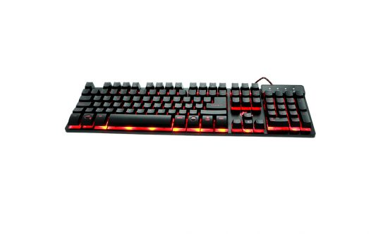 Teclado Multimedia  Gaming LED 3 Colores XTECH Revenger XTK-520S
