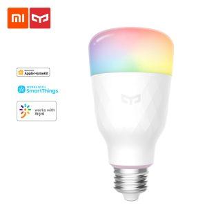 Bombilla inteligente de colores marca Xiaomi Yeelight.